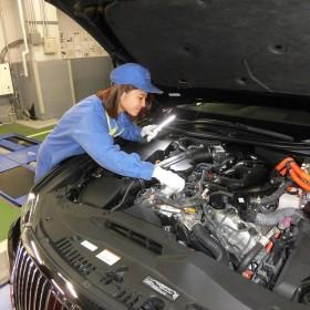 国際自動車/女性/整備士/女性活躍